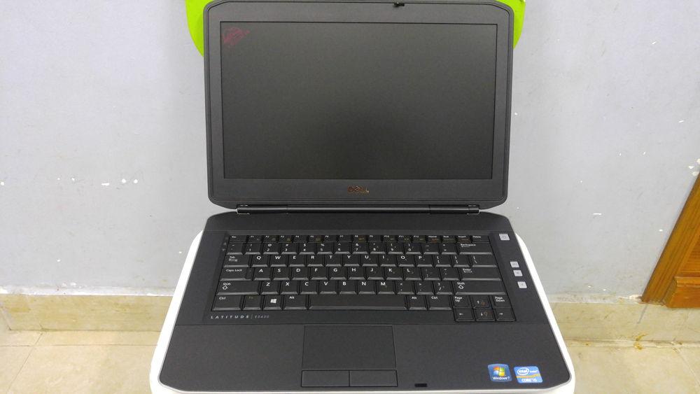 laptop van phong